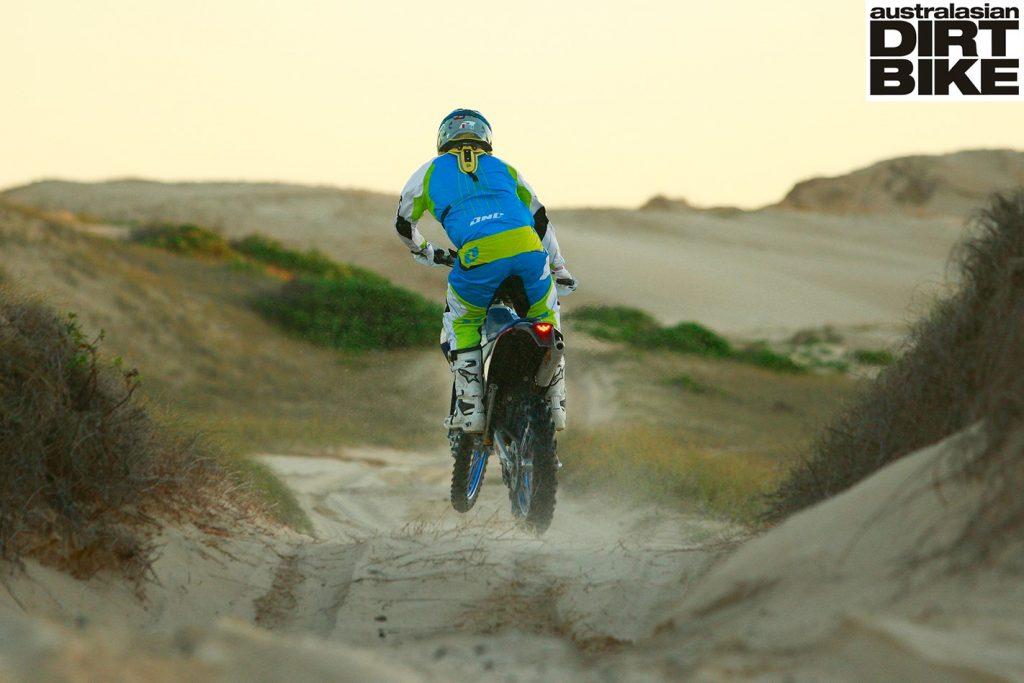 sand-blasting-3-full-floater-1422