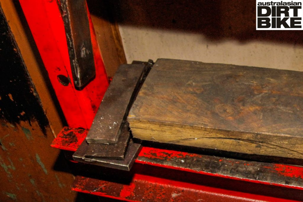 pressing-out-dents-main-3-1422