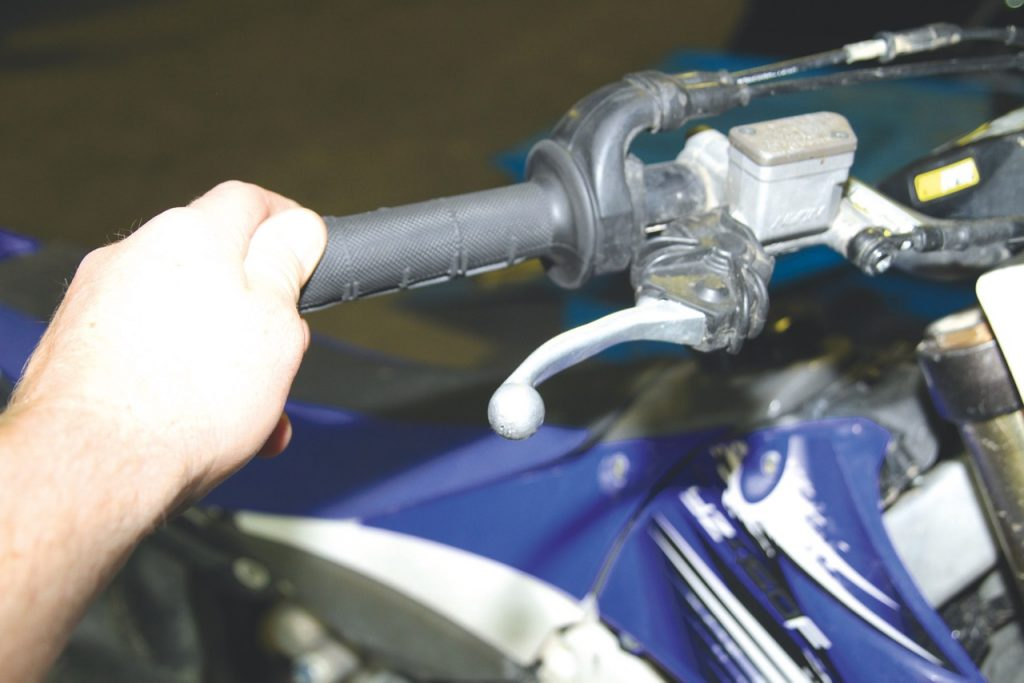 How To Change Engine Oil - Australasian Dirt Bike Magazine