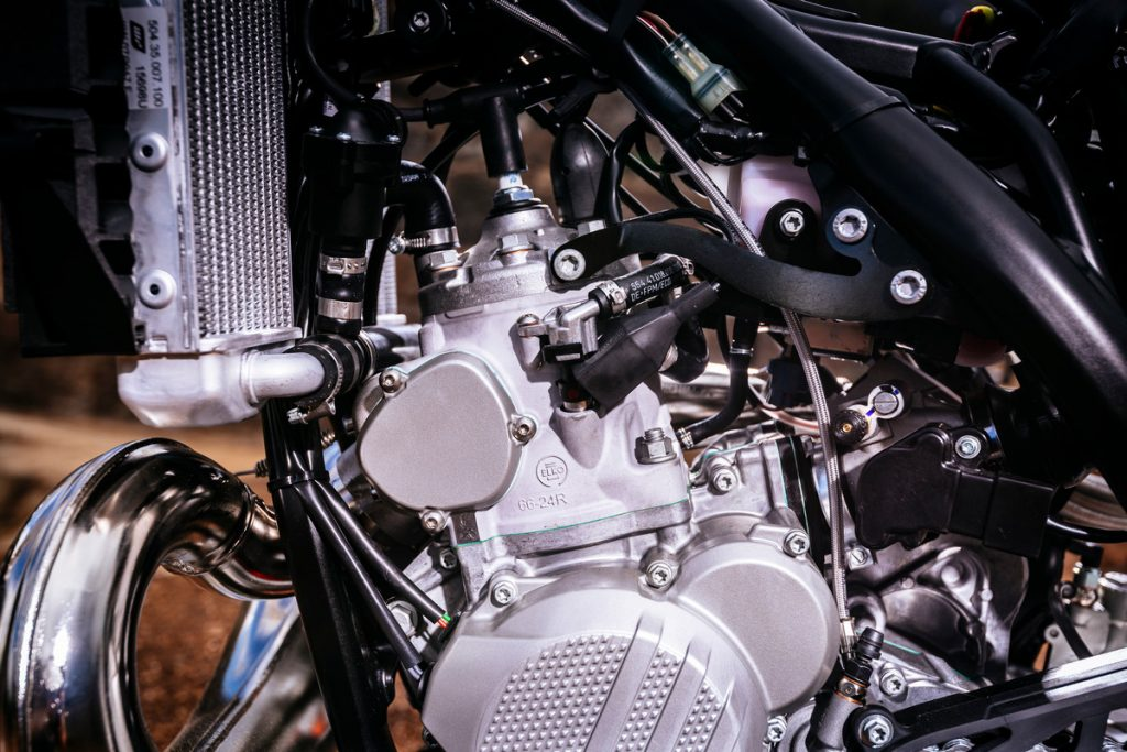 how to rebuild a two stroke motorcycle engine