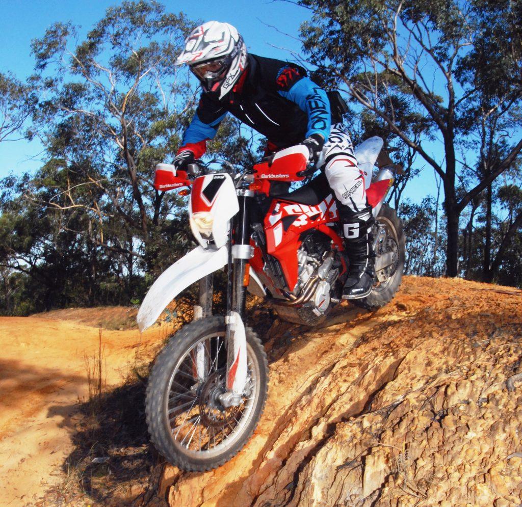LONG TERM UPDATE: SWM RS500R Part 2 - Australasian Dirt Bike