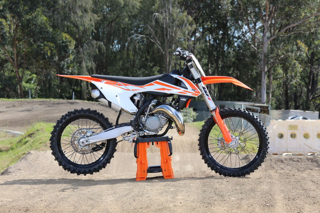 short lap i 2017 ktm 125sx australasian dirt bike magazine. Black Bedroom Furniture Sets. Home Design Ideas