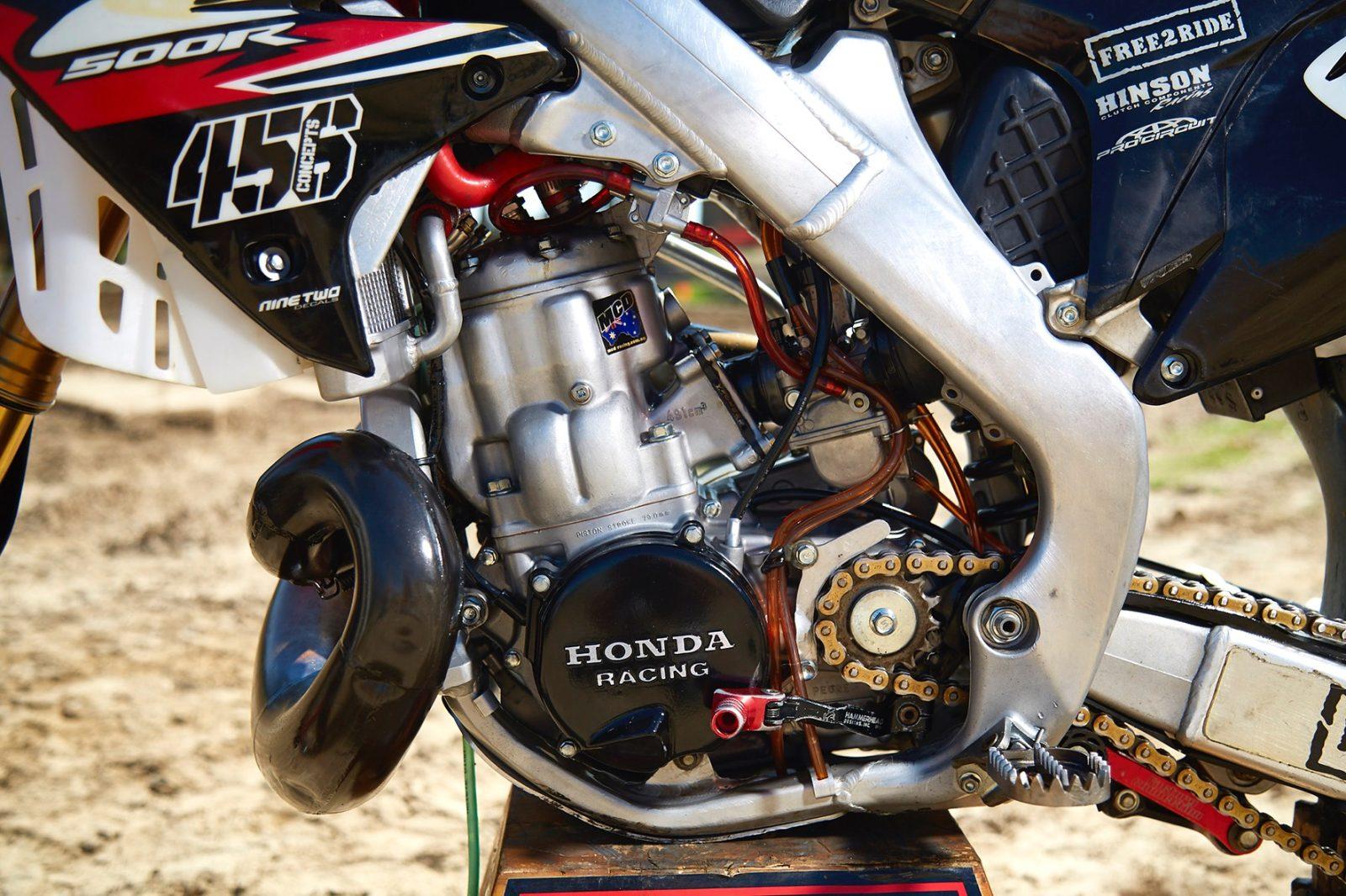 1989 Honda CR500 vs Custom 2011 CR500 - Australasian Dirt