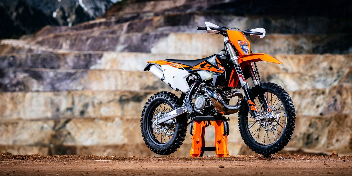 2018 ktm husqvarna pricing confirmed australasian dirt. Black Bedroom Furniture Sets. Home Design Ideas